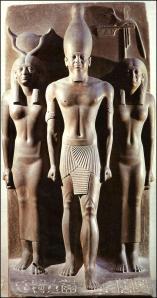 Triada del faraón Mikerinos (c. 2.800 a.C.)