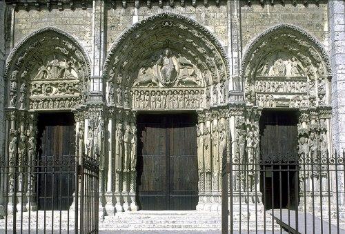 Pórtico Real de Chartres