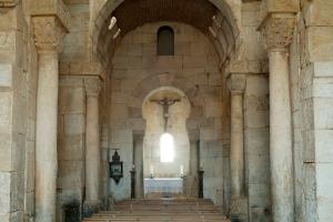 San Pedro de la Nave - interior
